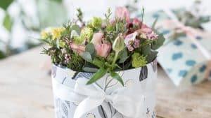 چه گل های برای هدیه دادن مناسب هستند